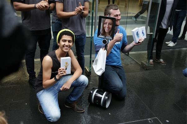 Khắp thế giới xếp hàng rồng rắn mua iPhone mới