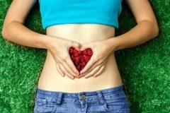 Ăn thiếu chất xơ, vi khuẩn có thể gặm mòn đường ruột bạn