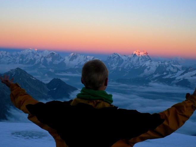 21 tuổi, bỏ vợ và du lịch qua 107 nước