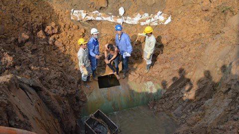 Vỡ ống nước sông Đà lần thứ 14, 70.000 hộ dân bị ảnh hưởng