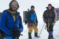 Phim 'Everest' dính lùm xùm đầu tiên