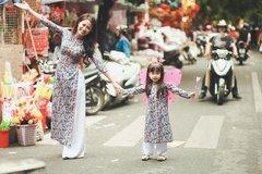 """Dạo phố Trung thu cùng mẹ con DV """"Hôn nhân trong ngõ hẹp"""""""