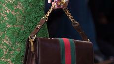 Những chiếc túi làm chao đảo sàn diễn thời trang Milan