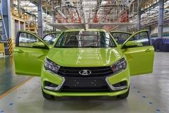 Ôtô Lada 160 triệu, xe Nga cạnh tranh xe Hàn
