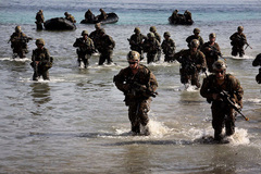 Mỹ sắp xếp lại 30 nghìn lính thủy 'cắm chốt' ở TBD