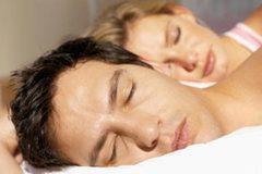 Tại sao chúng ta đổ mồ hôi trong khi ngủ?