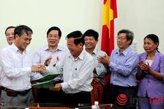 Tiền Giang tiếp nhận trường trung học từ Tập đoàn VNPT