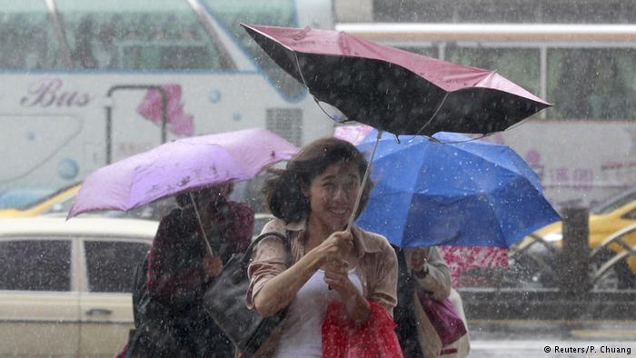 Siêu bão cấp 17 vào Đài Loan, hàng trăm người thương vong