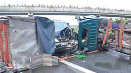 Điều tra nguyên nhân 5 ôtô đâm liên hoàn trên cao tốc