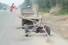 Sáng chế máy quét đường của lao công Ấn Độ