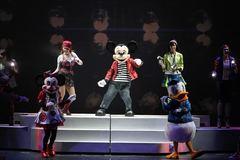 Mickey live: Chuột Mickey 'đốn tim' trẻ em Việt