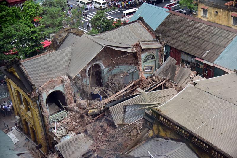 Góc khuất sau vụ sập công thự 107 Trần Hưng Đạo