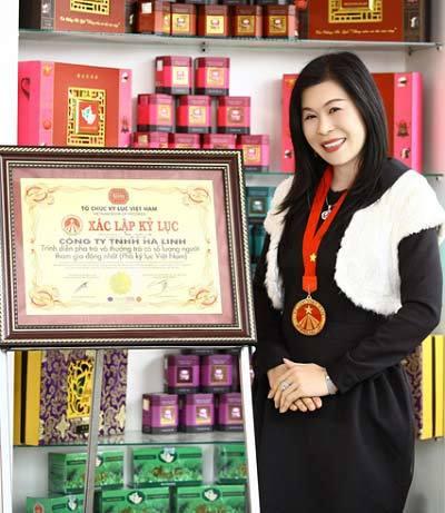 nữ đại gia, doanh nhân, trà ô long, Lâm Đồng, Hà Linh, Trung Quốc, nữ-đại-gia, doanh-nhân, trà-ô-long, Lâm-Đồng, Hà-Linh, Trung-Quốc,