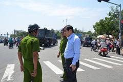 Chủ tịch Đà Nẵng đến hiện trường vụ xe tải cán chết người