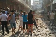 Nhà cửa nát tươm sau loạt bom nổ ở Trung Quốc