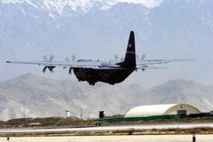 Máy bay quân sự Mỹ gặp nạn, 10 người chết