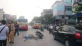 Hà Nội: Ngã xe văng ra đường chết thảm