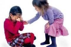 Dạy trẻ lòng yêu thương, nhân ái như thế nào?