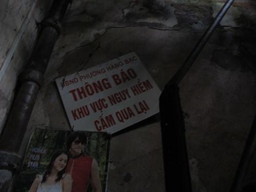 Ngôi nhà cổ nhất phố cổ Hà Nội sắp đổ sập