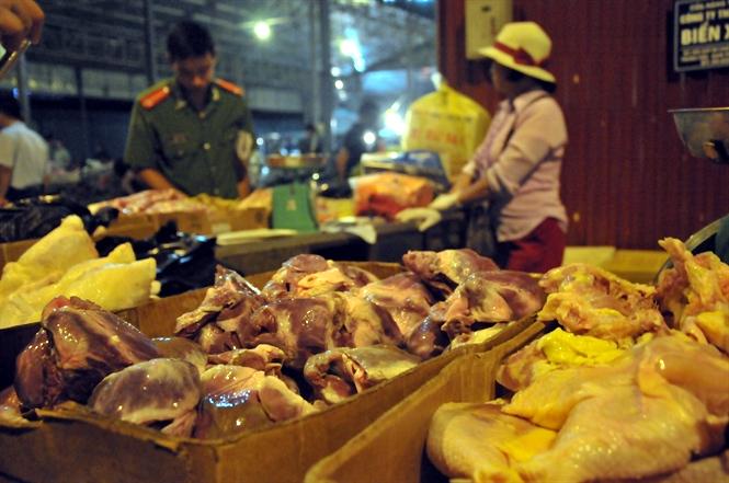 Hà Nội bắt giữ, tiêu hủy gần 100 kg tim lợn nhập lậu siêu rẻ - ảnh 6