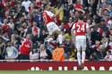 Alexis Sanchez sút xa đẹp mắt nâng tỷ số lên 3-0
