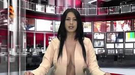 Biên tập viên khoe ngực táo bạo trên sóng truyền hình