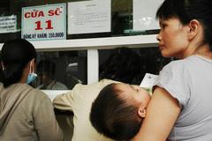 Trẻ em nằm tràn hành lang, BV đông nhất 10 năm qua