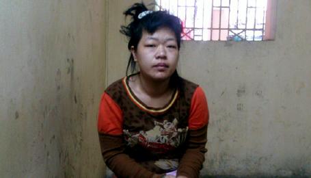 'nữ quái', trốn trại, nằm trên nóc ôtô, Hà Nội, trại giam