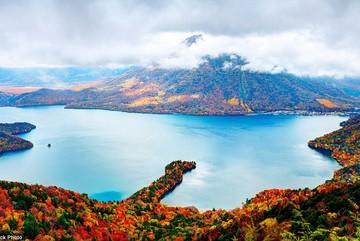 Những bức tranh 'mùa thu vàng' tuyệt đẹp ở các nước