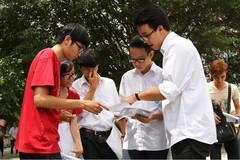 Học phí tăng: Trường vui, trò lo