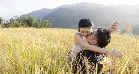 Cặp phượt thủ vượt nghìn km lên Tây Bắc cầu hôn