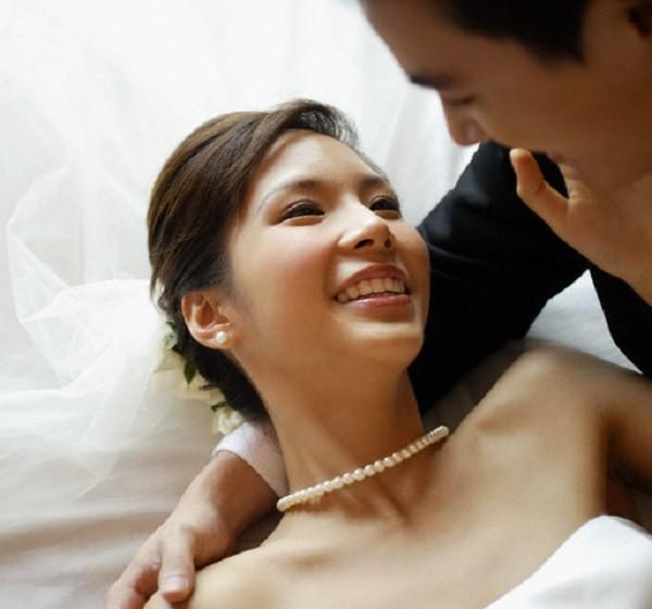 Ngay sau đêm tân hôn, vợ bỏ về nhà mẹ đẻ