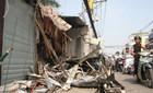 3 căn nhà đổ sập sau cú tông kinh hoàng của xe rác