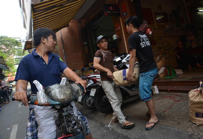 Tập đoàn 'xe xác ướp' dọc ngang Sài thành - 12