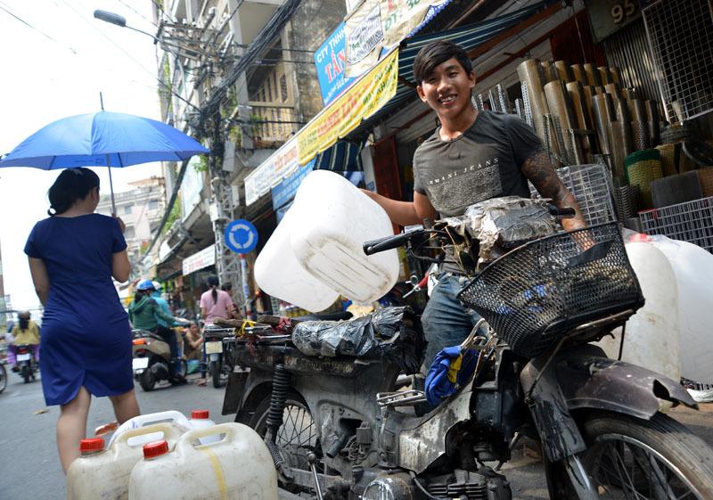 Tập đoàn 'xe xác ướp' dọc ngang Sài thành - 13