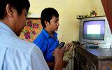 Bộ TT&TT cấp tiền để Hà Nội mua đầu thu số cho người nghèo