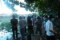 Hoảng hồn phát hiện xác chết bốc mùi trên Hồ Thiên Nga