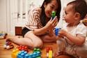 Các bố mẹ, đừng mua cho con bất cứ đồ chơi gì!