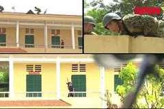 Xem lính đặc công hạ gục khủng bố, giải cứu con tin