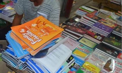 Xử phạt 2 Nhà sách 76 triệu đồng vì phát hành sách lậu
