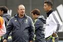 """Ronaldo """"tẩy chay"""", không nói chuyện với Benitez"""
