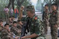 Bên trong trại hè quân sự dành cho trẻ nghiện game