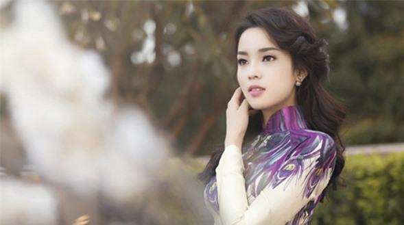 Kỳ Duyên: Hoa hậu bị săm soi, liên tục hớ hênh nhất showbiz Việt