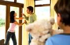 Khủng hoảng tinh thần vì bị chồng cũ quấy rối