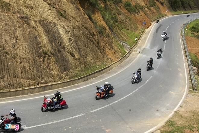 Dàn siêu môtô chinh phục ba đỉnh đèo Tây Bắc