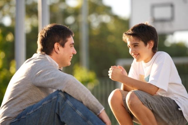 Cách ứng xử tinh tế của cha mẹ khi thấy con xem phim sex