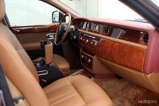 Ngắm Rolls-Royce Phantom 43 tỷ của 'đại gia điếu cày'