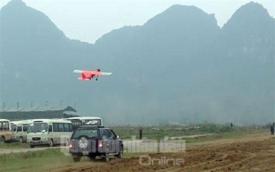'Ra lò' máy bay không người lái made in VN