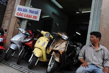 Nghịch lý thời khó khăn: Xe máy ế ẩm, ôtô đắt hàng