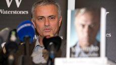 """Mourinho: """"Tôi sẽ không trốn chạy khỏi Chelsea"""""""
